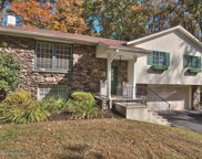 214 Teaberry Ln, Clarks Summit image