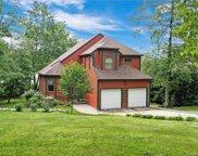 28 Lake View  Drive, Woodstock image