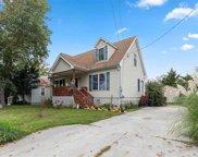 147 W Delaware, Villas image