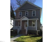 233 W 34th Street, West Norfolk image