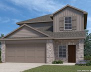 273 Middle Green Loop, Floresville image