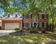 6725 Lyndonville  Drive, Charlotte image