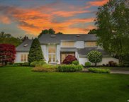 43 Hunting Hollow  Court, Dix Hills image