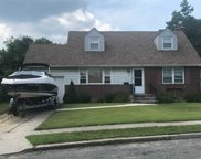 6 Perry Ave, Bethpage image