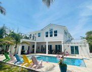 8 Country Club Circle, Tequesta image