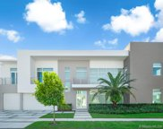 10560 Nw 68th Ter, Doral image