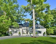 255 Maple Court, Lake Forest image