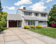 193 Spindle Rd, Hicksville image