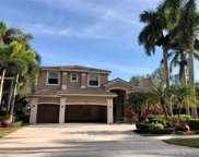 2541 Montclaire Cir, Weston image
