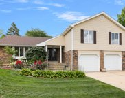 1919 N Carlyle Place, Arlington Heights image
