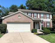 1154 Essex Glen, Hamilton Twp image