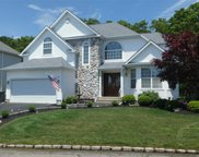 3 Holly Hill Ct, Holtsville image