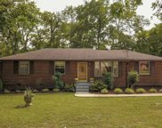 128 Colonial Dr, Hendersonville image