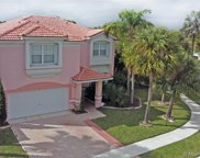 51 Gables Blvd, Weston image