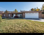 6967 S Sunrise Hills Cir E, Cottonwood Heights image