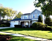 10S241 Wallace Drive, Downers Grove image
