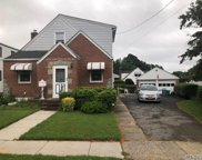 506 S 9th St, New Hyde Park image