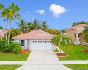 1030 Nw 191st Ave, Pembroke Pines image