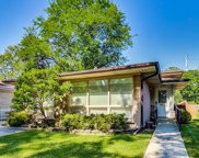 922 Leamington Avenue, Glenview image