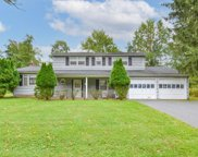 13 Highpoint Dr, Edison Twp. image
