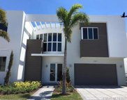 7477 Nw 99 Ave, Doral image