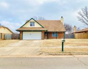 1012 Hunter Glen Circle, Edmond image
