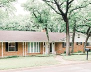 2809 Black Oak Lane, Arlington image