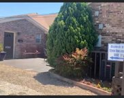 2340 Chandler Drive E, Fort Worth image