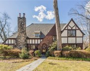 18 Hadden  Road, Scarsdale image