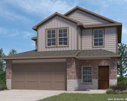 149 Middle Green Loop, Floresville image
