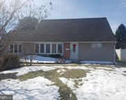 23 Middle   Road, Levittown image