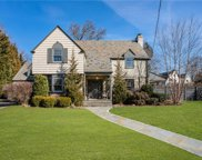 9 Campden  Road, Scarsdale image