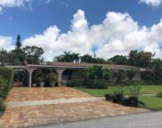 865 W 70th Pl, Hialeah image