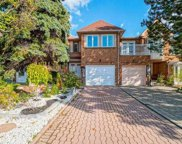 43 Queensmill Crct, Richmond Hill image