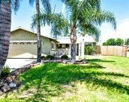389 Collette Ct, Brentwood image