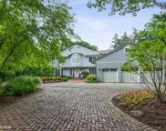 820 Eastwood Lane, Glenview image