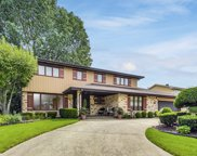 6405 Waterford Court, Willowbrook image