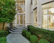 10 Wooded Gate Drive, Dallas image