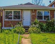 5348 Walsh, St Louis image