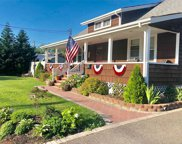 369 Great East Neck Rd, W. Babylon image