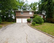 12 Piper Dr, Searingtown image