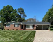 130 32nd Nw Avenue, Hickory image