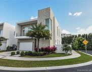 10592 Nw 67th Ter, Doral image
