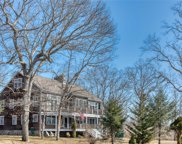 1395 Sleepy Hollow Ln, Southold image
