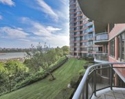 100 Carlyle Drive Unit VG6-South, Cliffside Park image