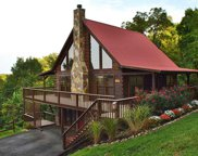 1608 Bench Mountain Way, Sevierville image