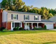 8808 Hedgeway Dr, Shelby Twp image
