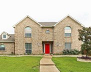 8824 Country Glen Crossing, Plano image