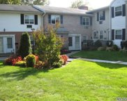 10 Glen Hollow Dr, Holtsville image