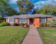 6847 Ravendale Lane, Dallas image